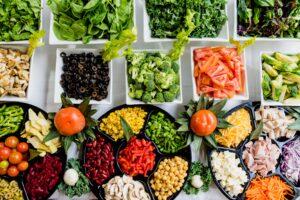 Frutas y verduras son recomendables para prevenir y reducir síntomas de endometriosis.