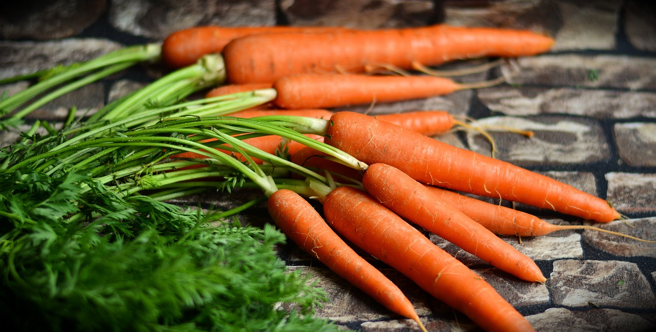 Las zanahorias son la principal fuente de Provitamina A.@congerdesign en pixabay