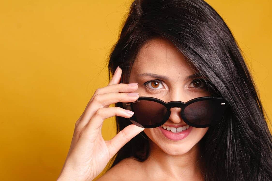 El uso de gafas de sol para prevenir el ojo seco
