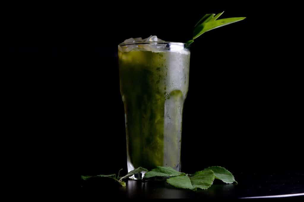 Batido saludable verde para empezar a consumir vegetales.